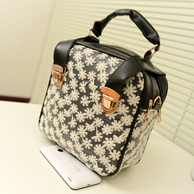 New princess temperament handbags Korean cute lace bag multi-purpose shoulder shoulder bag tide