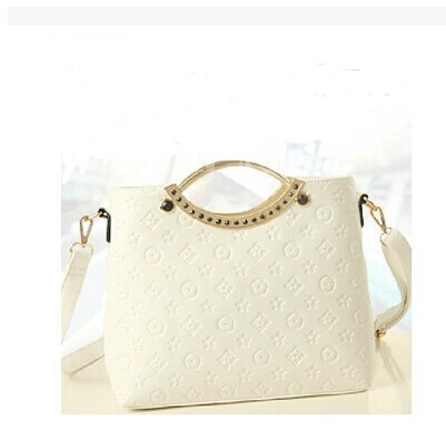 Casual embossed portable shoulder bag Korean tide fashion wild stereotypes handbags manufacturers wholesale LL