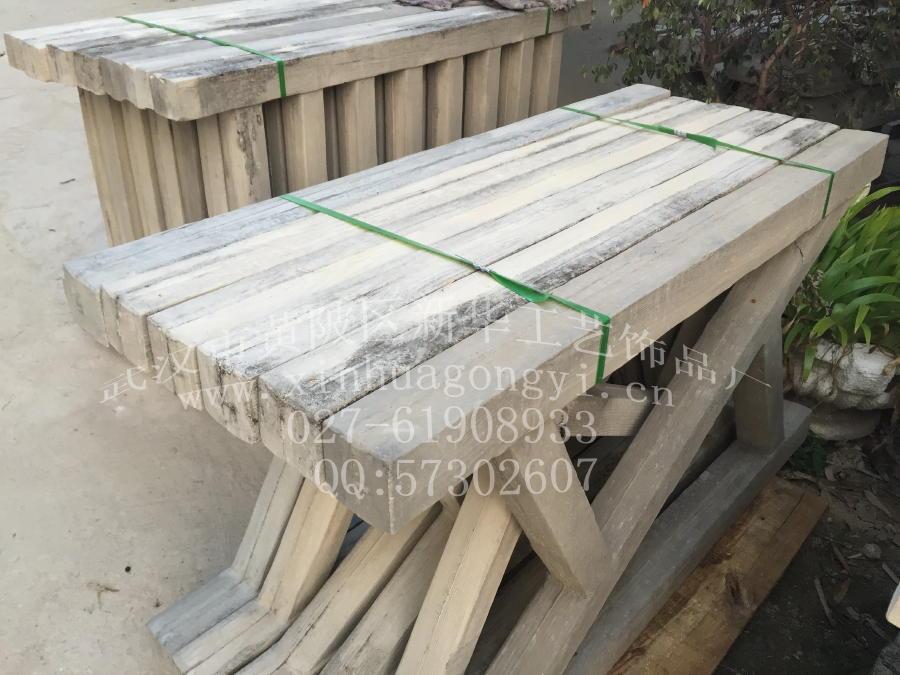 仿木河堤栏杆模具 仿树皮护栏模具 草坪仿木护栏模具