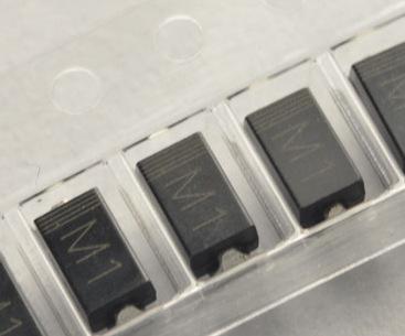贴片整流二极管1N4001 M1 SMA 1A/50V (200个)144元=3000个