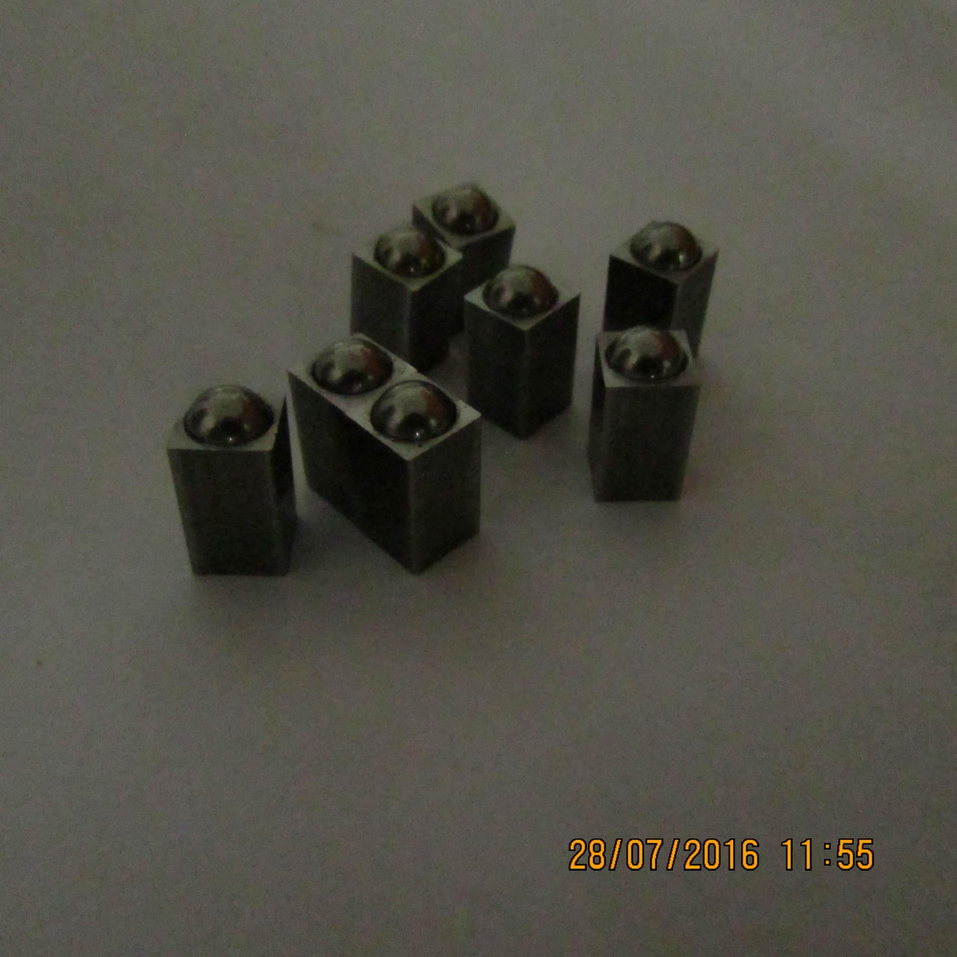 本厂专业生产碰珠。波珠螺丝。波珠螺柱以及一些非标件等。