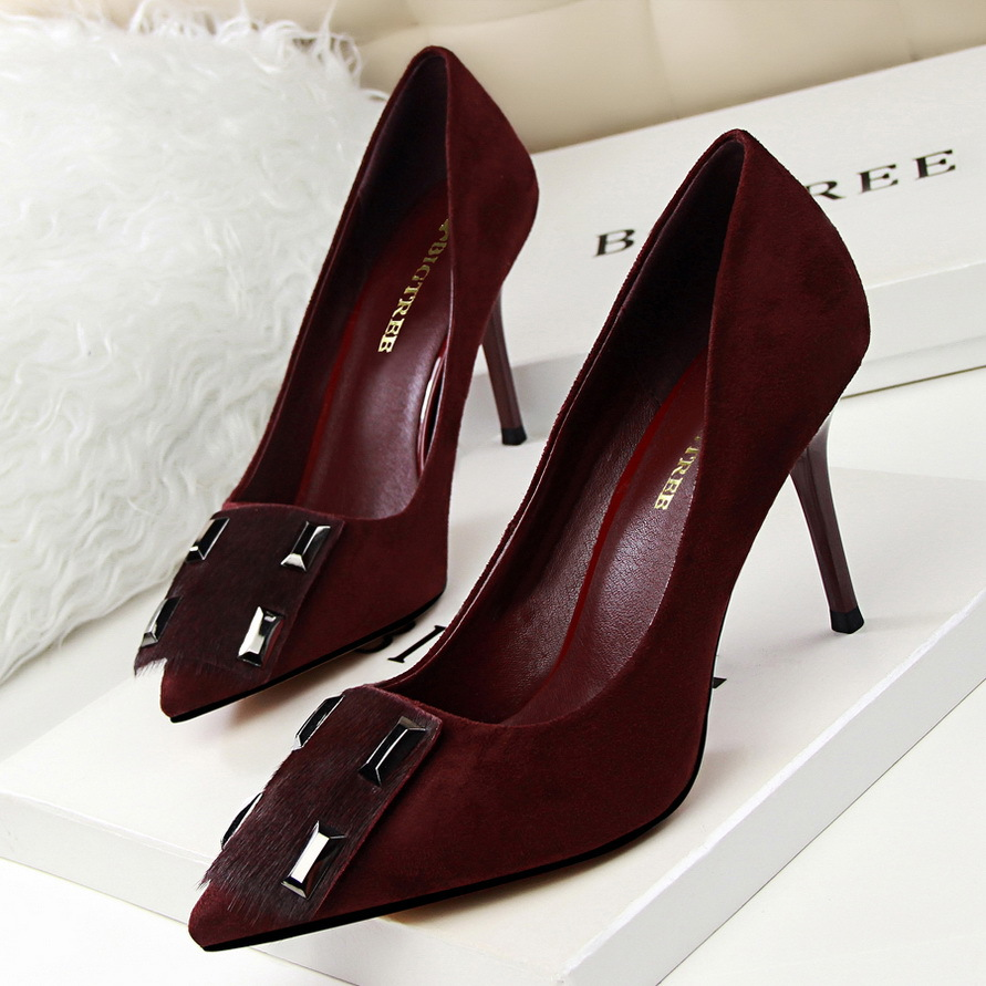Fashion show delicate high-heeled suede shallow pointed mouth horse hair metal buckles Shoes's main photo