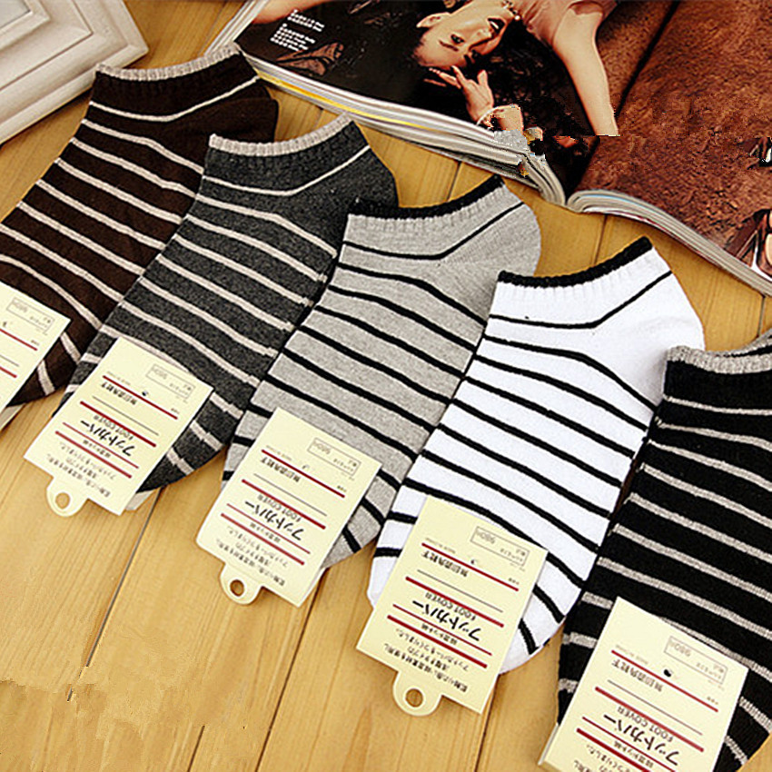 Manufacturer of socks of adult of socks of male boat of design of small pinstripe of cotton of black