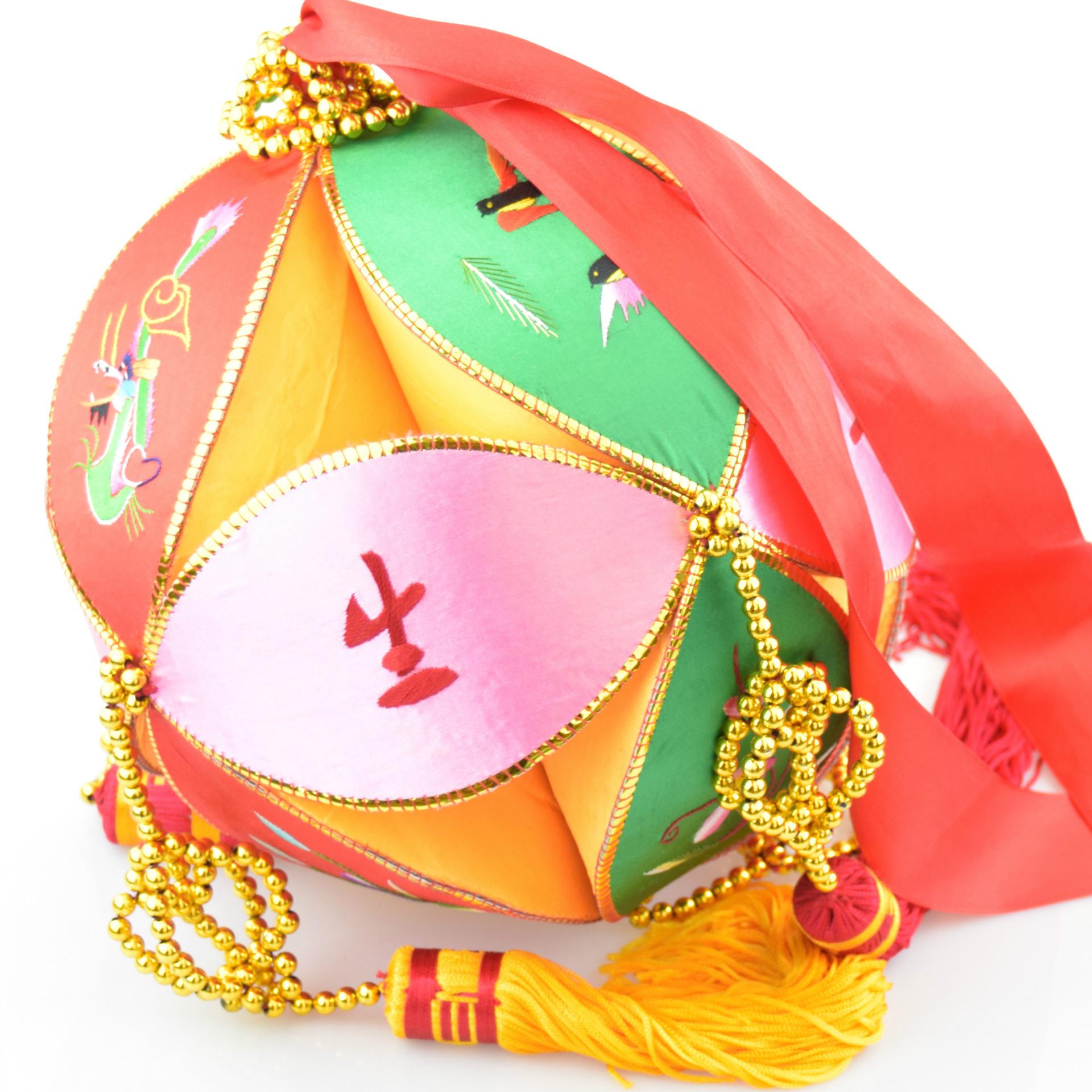 广西壮族手工绣球 桂林民族特色纯手工刺绣一生平安 20公分绣球图片