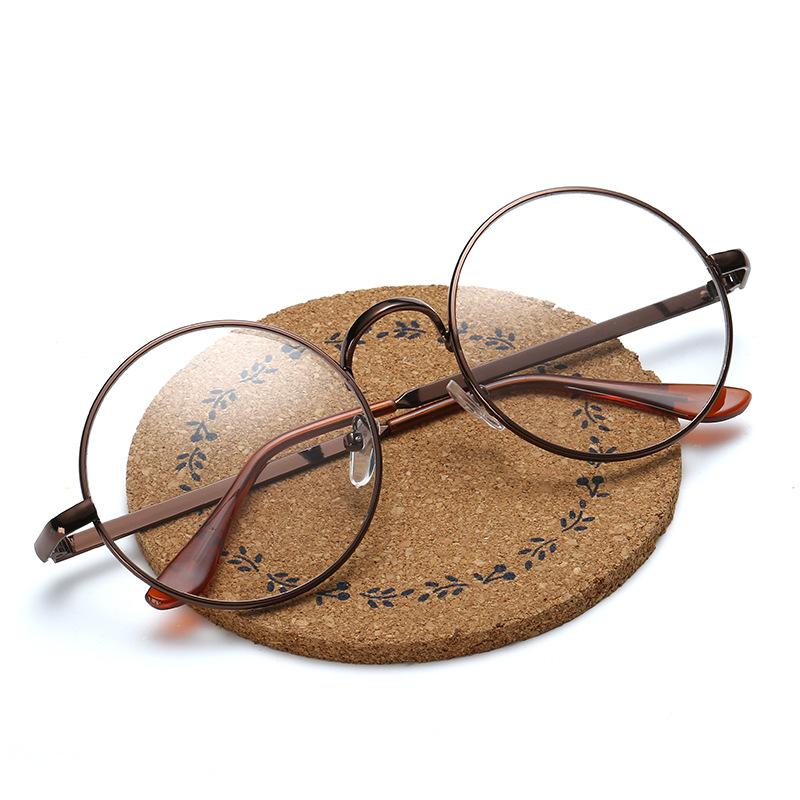男生戴眼镜qq头像圆框