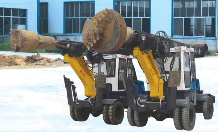 桩工机械 大型液压步履式旋挖钻机 长螺旋钻机静压桩机图片