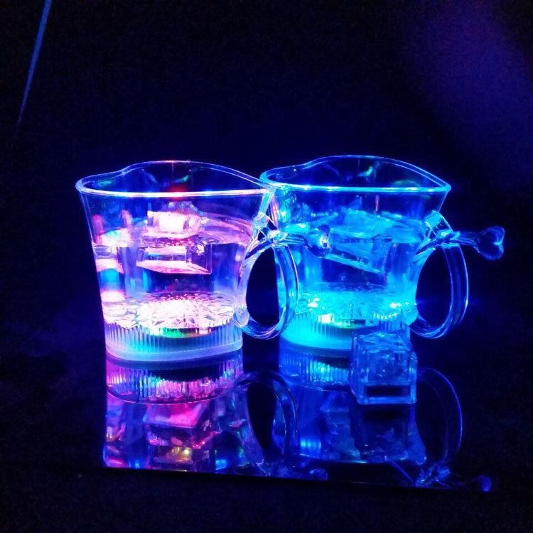 义乌厂家直销爱心情侣杯 发光杯 闪光杯 塑料杯 圣诞促销品