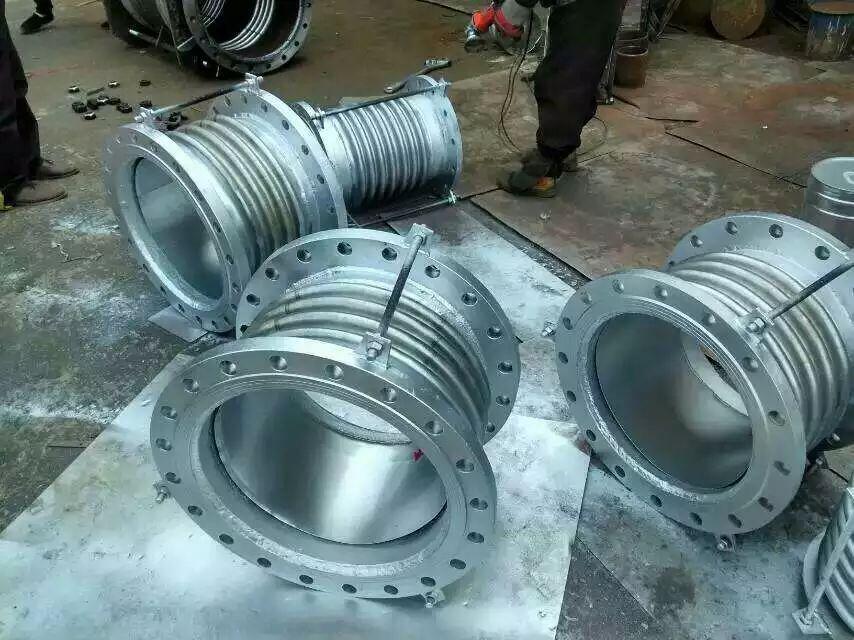 厂家直销 碳钢波纹管补偿器  金属波纹补偿器dn150/dn100