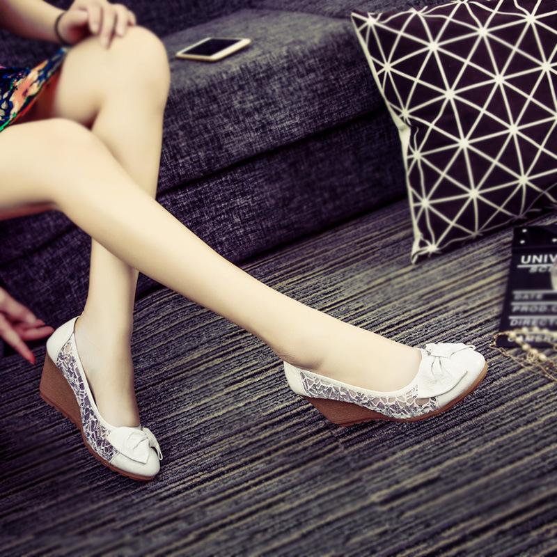 厂家直销新款真皮浅口坡跟高跟鞋女蕾丝网纱单鞋蝴蝶结妈妈鞋舒适