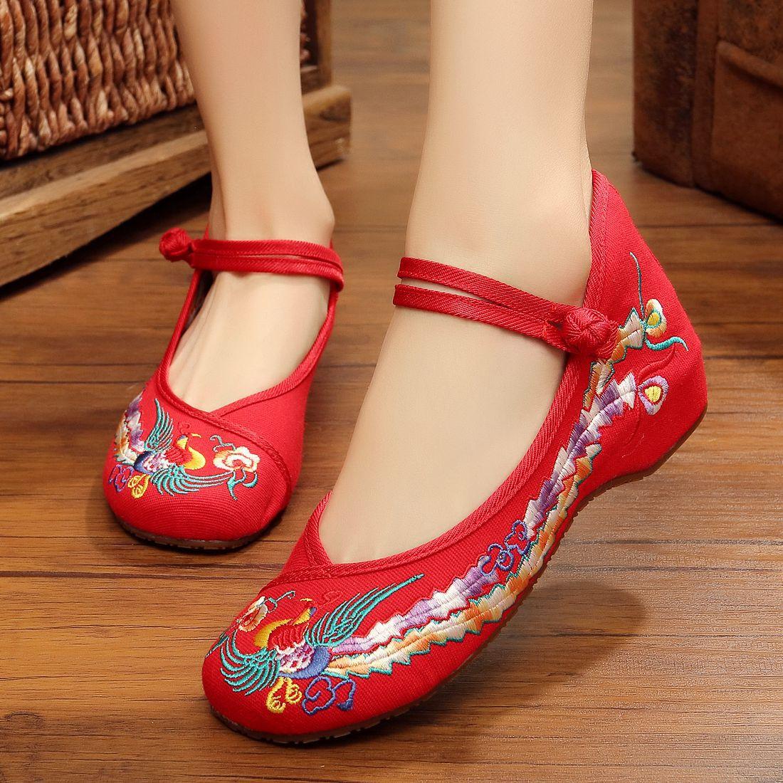 厂家现货老北京布鞋坡跟绣花复古低帮帆布鞋女舞蹈鞋一件代发