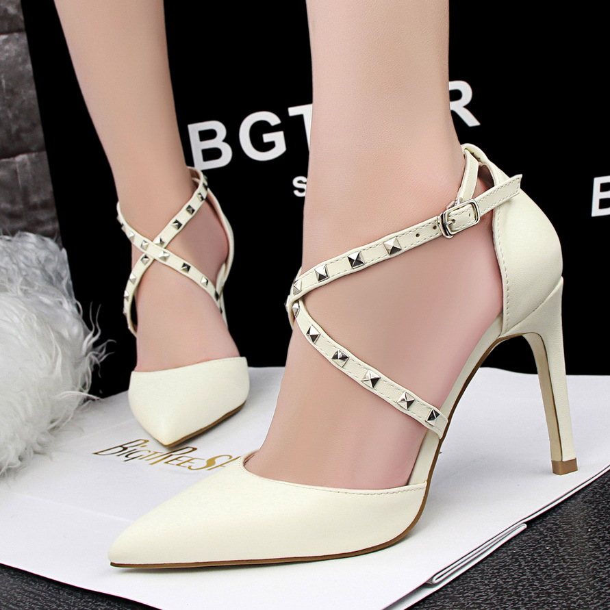 European and American wind sexy club high heel with shallow mouth pointed insulating paint crossed with rivet wome's main photo
