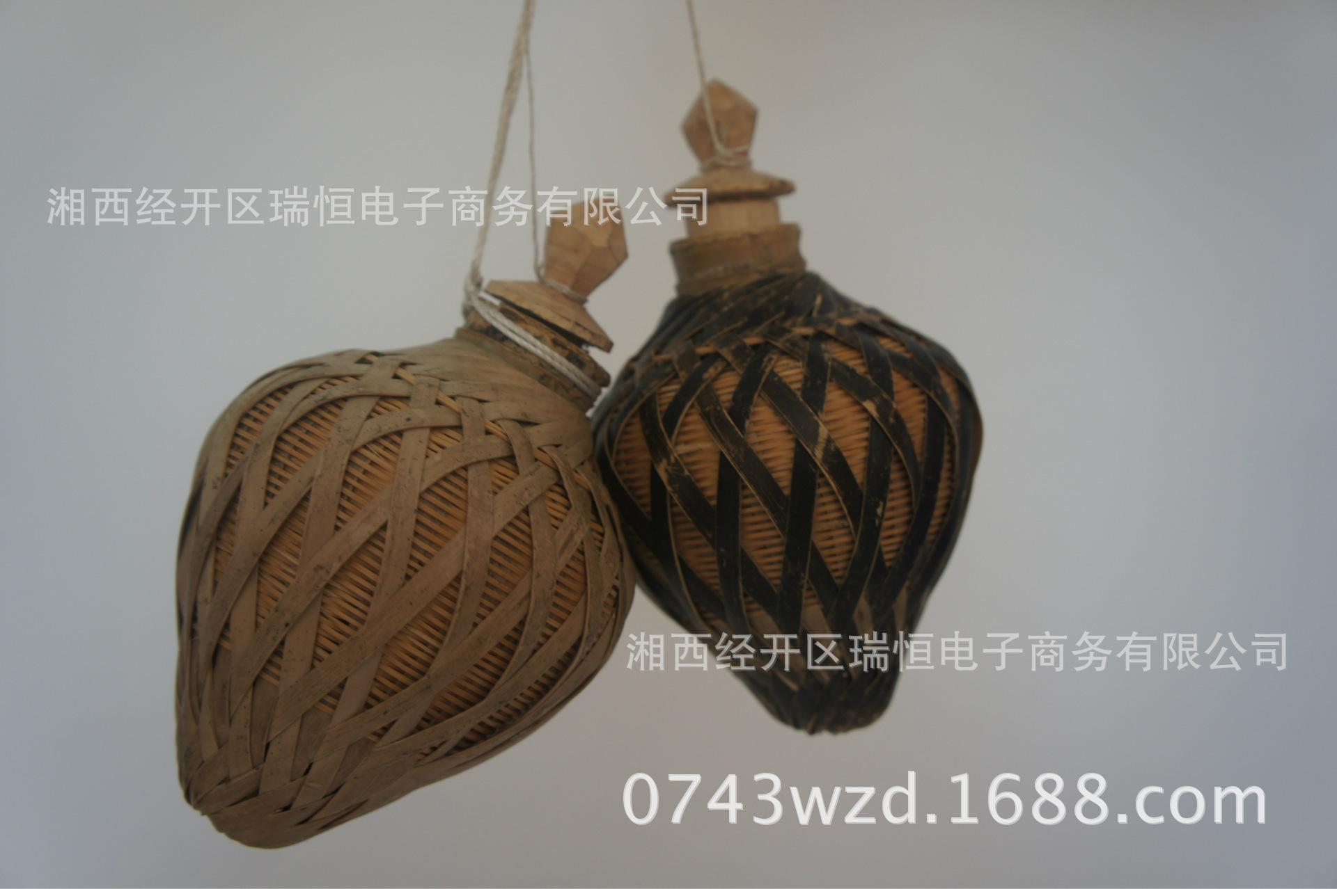 公司主营各式手工草鞋,麻鞋,背篓,竹篮等手工编织工艺品,款式新颖