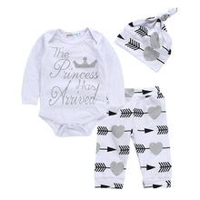 2018新款宝宝衣服套装婴幼儿套装爱心字母三件套长袖哈衣长裤帽子