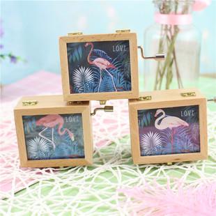 木质发条少女心粉色火烈鸟相框手摇音乐盒创意礼物八音盒学生礼品