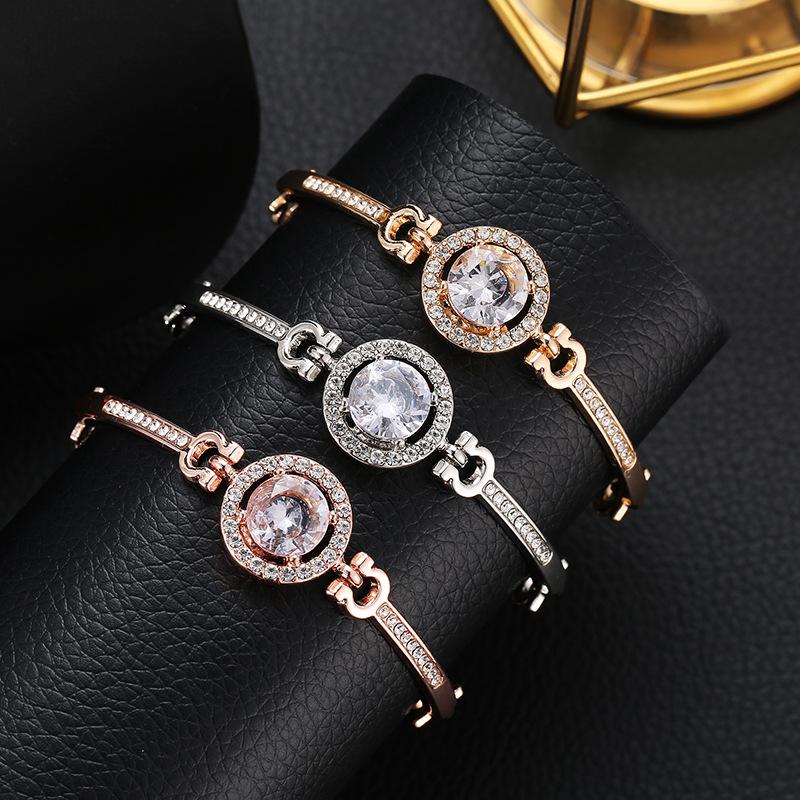 时尚热卖手饰 女士百搭手链 简约气质高贵闪钻手镯手环手链 女士
