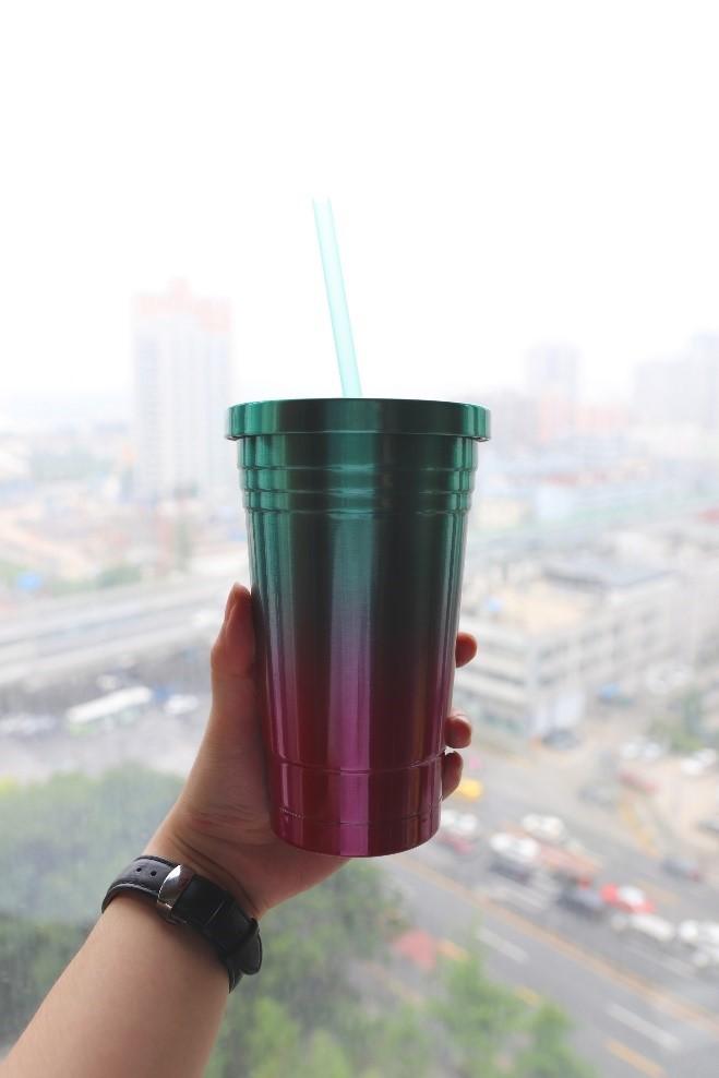 """为了让我""""多喝热水"""",我的钢铁直男男友送了我一个网易严选彩虹杯"""