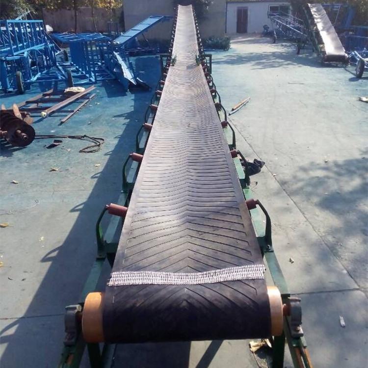 全封闭工业铝型材输送机斜坡式输送机安全可靠。 XY1