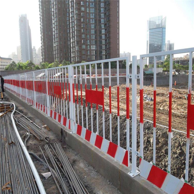 电梯安全门卸料平台标准化基坑护栏红白颜色临时护栏价格优惠