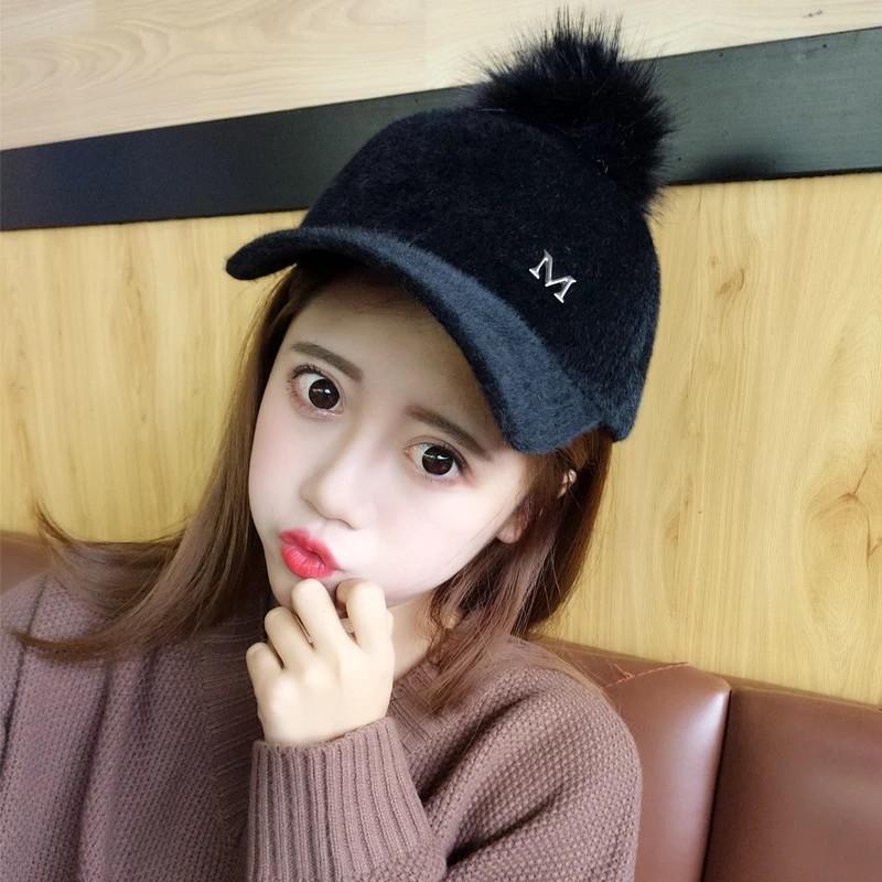 新款韩版秋冬季女士棒球帽毛绒保暖弯沿鸭舌帽时尚街头大毛球帽子