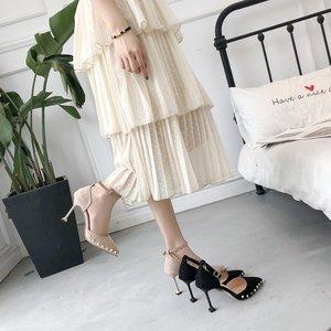 2019高跟鞋新款铆钉法式少女春季细跟百搭网红黑色性感中空单鞋女