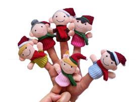 Christmas family refers to the toy, Christmas family refers to the couple, Christmas refers to the finger, the story is told