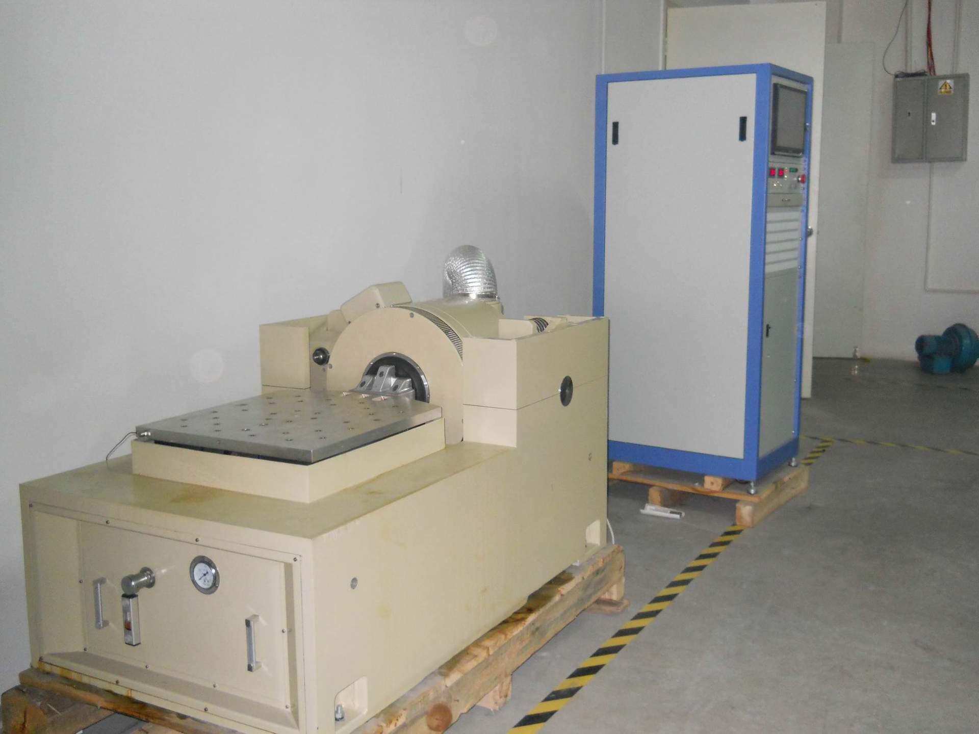 厂家直销模拟运输振动台SW-600振动台/装箱振动测试机/震动机
