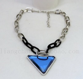 2014 new fashion baccarat jewelry triangle crystal pendant necklace lock chain