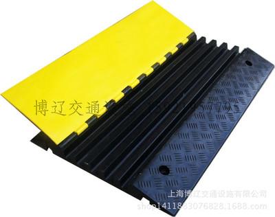 品质博辽PVC线槽板环保PVC线槽板五槽过线板高强橡胶承重20吨