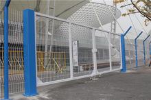 围栏又称D型柱围栏,tiesiwang美格网护栏防盗门窗户钢格板围栏