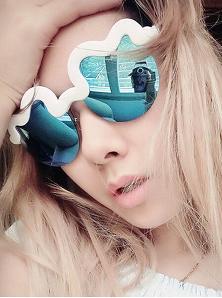 Tính cách dễ thương, thiết kế marshmallow mây lượn sóng, kính râm, kính râm
