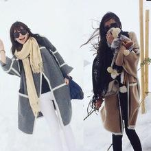 Áo khoác len nữ dáng dài, họa tiết trẻ trung, phong cách Hàn Quốc