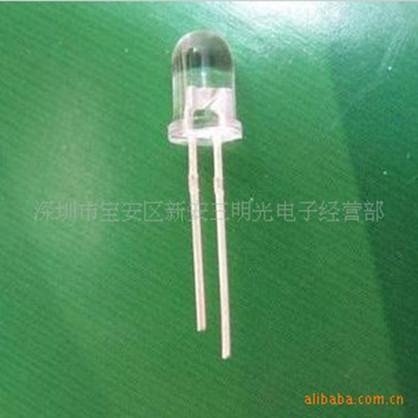 供应5mm腊烛白光发光二极管 F5腊烛闪白色LED灯珠发光二极管