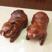 厂家供应草花梨木小猪 花梨木福猪 实木雕刻福猪摆件