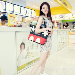 Korean version of the new simple cartoon fashion shoulder bag large-capacity portable canvas bag casual shopping bag from one batch