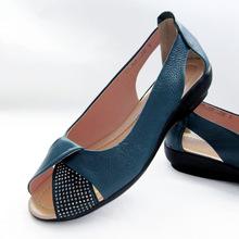 夏季新款休闲平跟妈妈凉鞋真皮平底鱼嘴鞋中老年大码女鞋4243小码