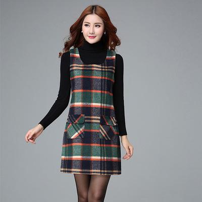 2018冬季新款毛呢连衣裙 韩版大码格子毛呢背带裙修身背心打底裙