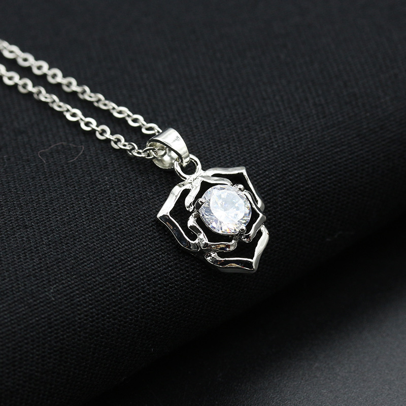 Korean new hot sale diamond snowflake snowflake love crown butterfly eagle necklace popular clavicle chain ladies NHDP206003