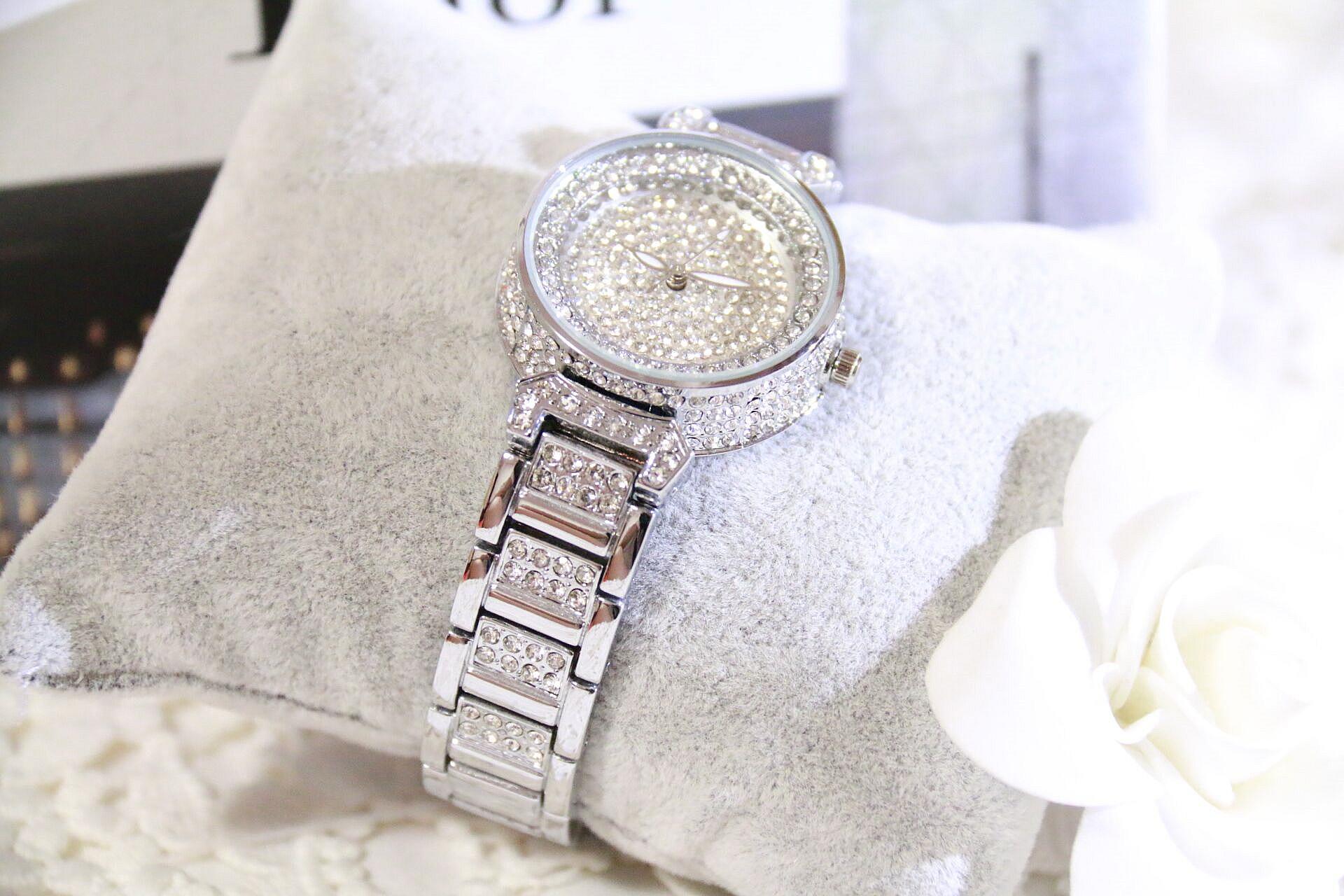 Марка Алмазный Серебряный женщины горный хрусталь часы женщины стали женщины кварцевые bling платье часы для дам браслет Часы подарок