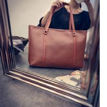 Túi xách tay nữ thời trang, màu sắc hiện đại, kiểu dáng trẻ trung