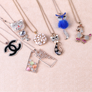 Korean version of the long section of alloy diamond pendant clavicle chain necklace sweater chain fashion jewelry wholes