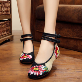 New old Beijing cloth shoes female embroidered shoes slope heel shoes cow tendons anti-skid double buckle high heels national style embroidery