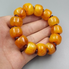 Factory price pure natural chicken oil yellow amber wax bracelet overbearing men's barrel bead universal handstring