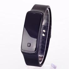 新款紐扣按壓運動手環電子手表 時尚休閑多種顏色硅膠LED手表批發