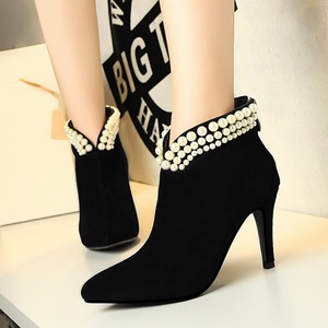965 the European and American wind fashionable elegant banquet v-neck pearl female boots with high heels