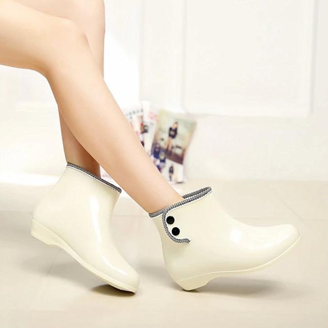 经典款春秋果冻雨鞋女士时尚短筒雨靴花园韩版搭扣防滑水鞋套鞋子