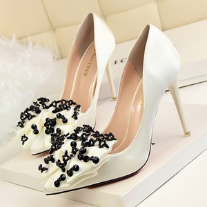 Fashion show delicate high-heeled shallow mouth pointed silks and satins sequins shoes