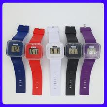 《熱銷》創意新奇的兒童電子手表 LCD促銷禮品PU腕帶手表