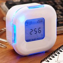 廠家批發旋轉變色鬧鐘 創意四面形白色時鐘 LED靜音夜光電子鐘
