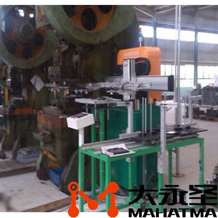 后置式单机单工位机械手产品图