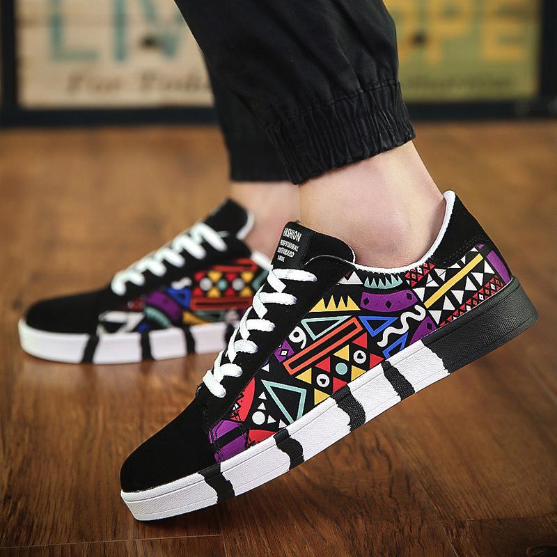 2019 ربيع جديد أحذية رجالية عارضة الأحذية القماشية العصرية الأحذية الرياضية الكورية العصرية أحذية الطلاب الذكور 7631